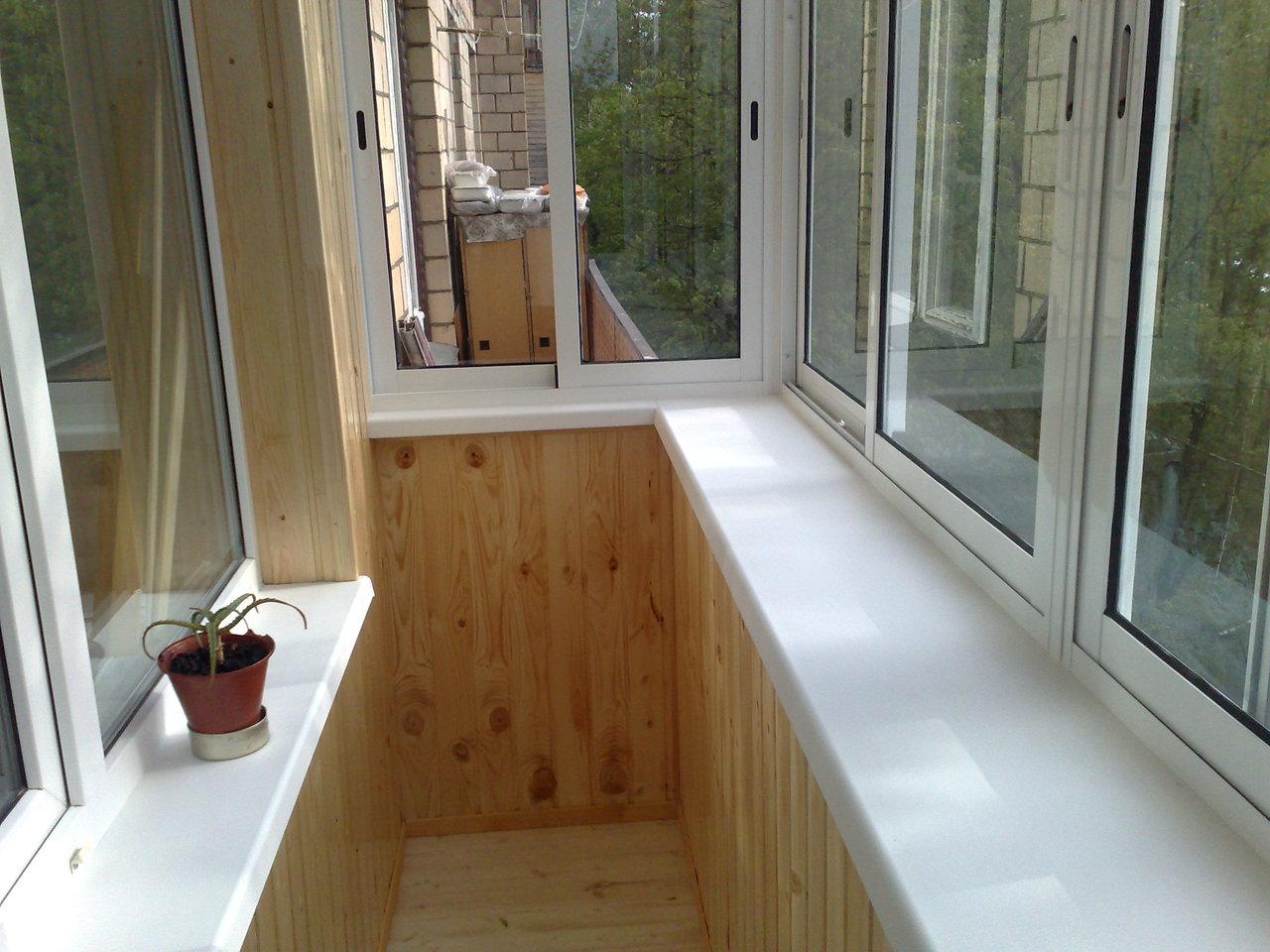 Отделка балкона с выносом.
