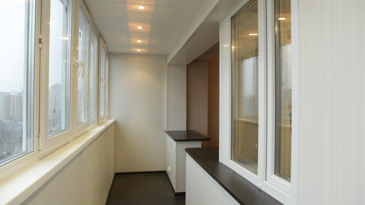 Фото идеи объединения балкона с комнатой.
